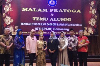 Temu Alumni IKAPARI saat MALAM PRATOGA ( Wisuda STIEPARI YANG KE 48 )