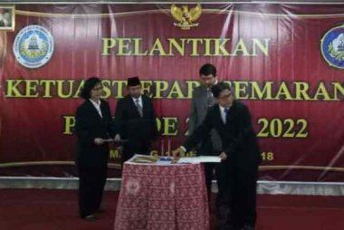 Serah Terima Jabatan Ketua STIEPARI Semarang, periode: 2018-2022 Pada Tanggal: 17 Desember 2018, Dari Dra. Renny Aprilliyani, MM kepada Dr. Samtono, M.Si