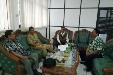 Pertemuan dengan Sekda Kab.Temanggung, tampak dari kiri Dr. Bambang Guritno, SE,MM,MBA (22 Januari 2019)